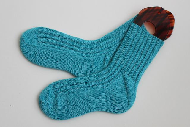 Cable Rib free sock knitting pattern